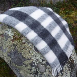pläd vävd i svensk ull
